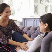 De rol van de verloskundige tijdens de bevalling