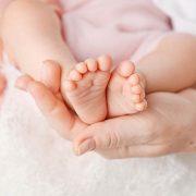 Hoe kun je je huilende baby kalmeren?